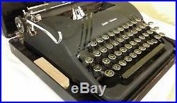 Art Deco Vintage Smith Corona Silent Portable Manual Typewriter Works 1940s