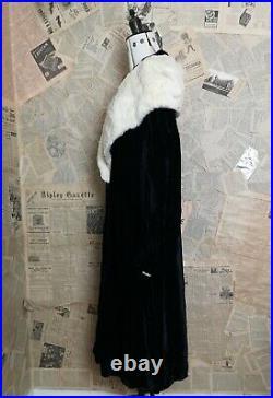 Vintage 1920's silk velvet Opera robe, opera coat, Slattery and Co