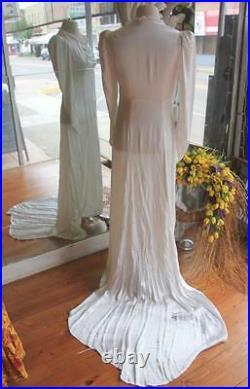 Vintage 1930s Sweetheart Neckline Satin Wedding Dress with Train 34 Bust